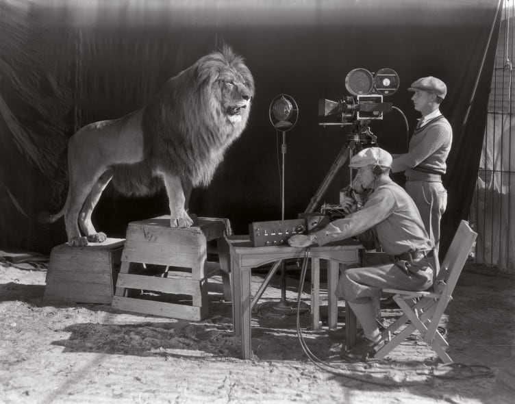 Filming of the MGM screen credits - The beginning of the Hollywood era, 1928